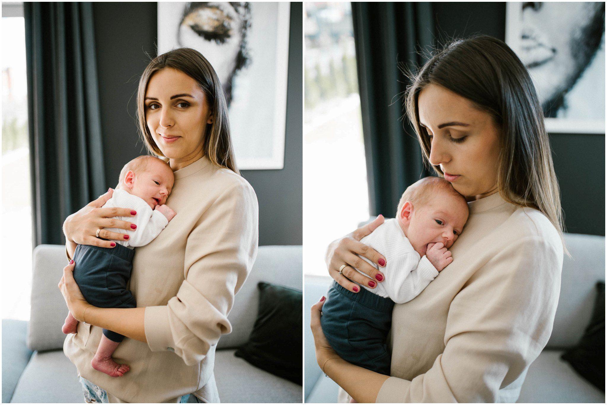 mama trzyma noworodka na rękach - sesja noworodkowa lifestyle w Poznaniu