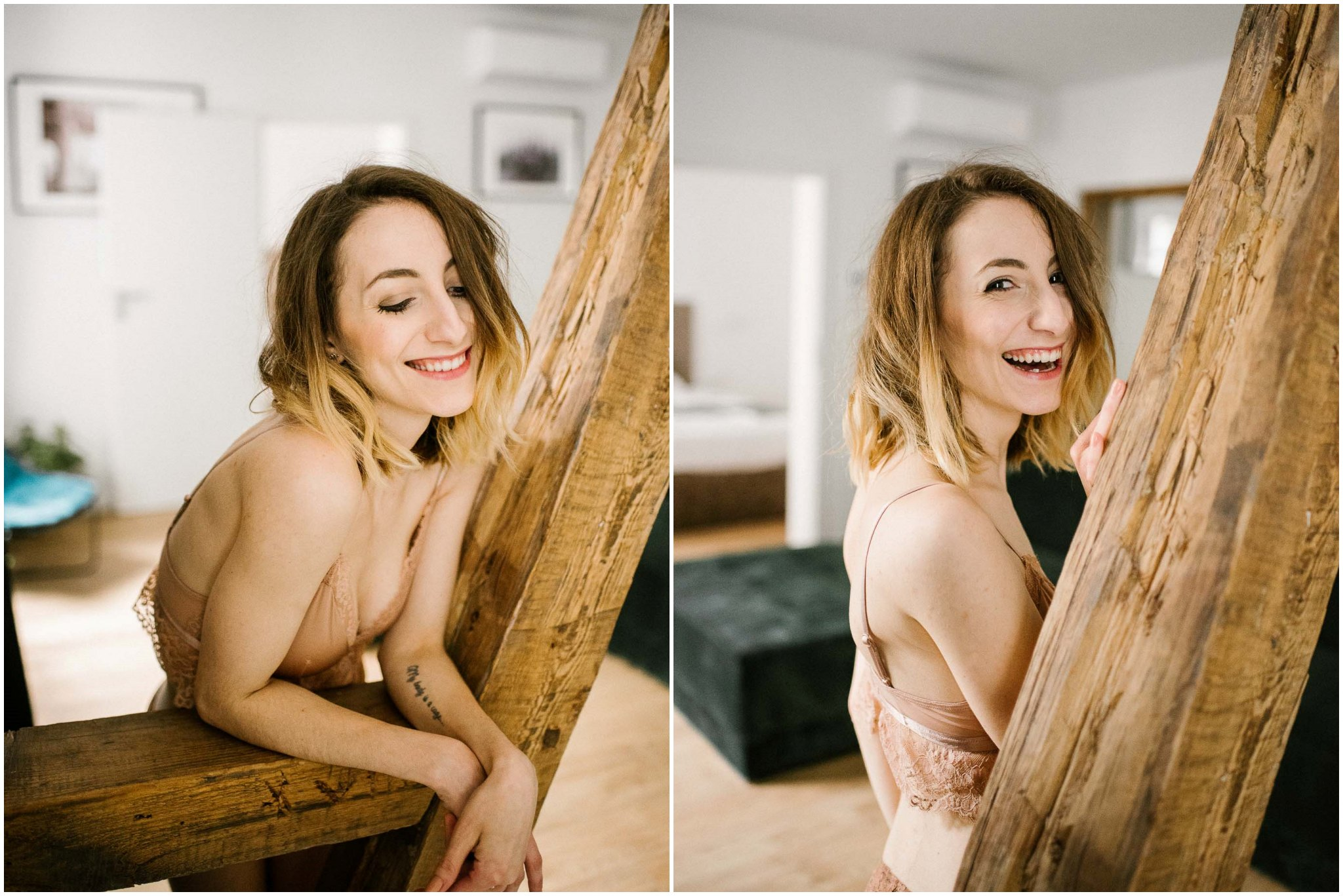 Kobieta w bieliźnie opiera się o drewniane kolumny w apartamencie w Poznaniu