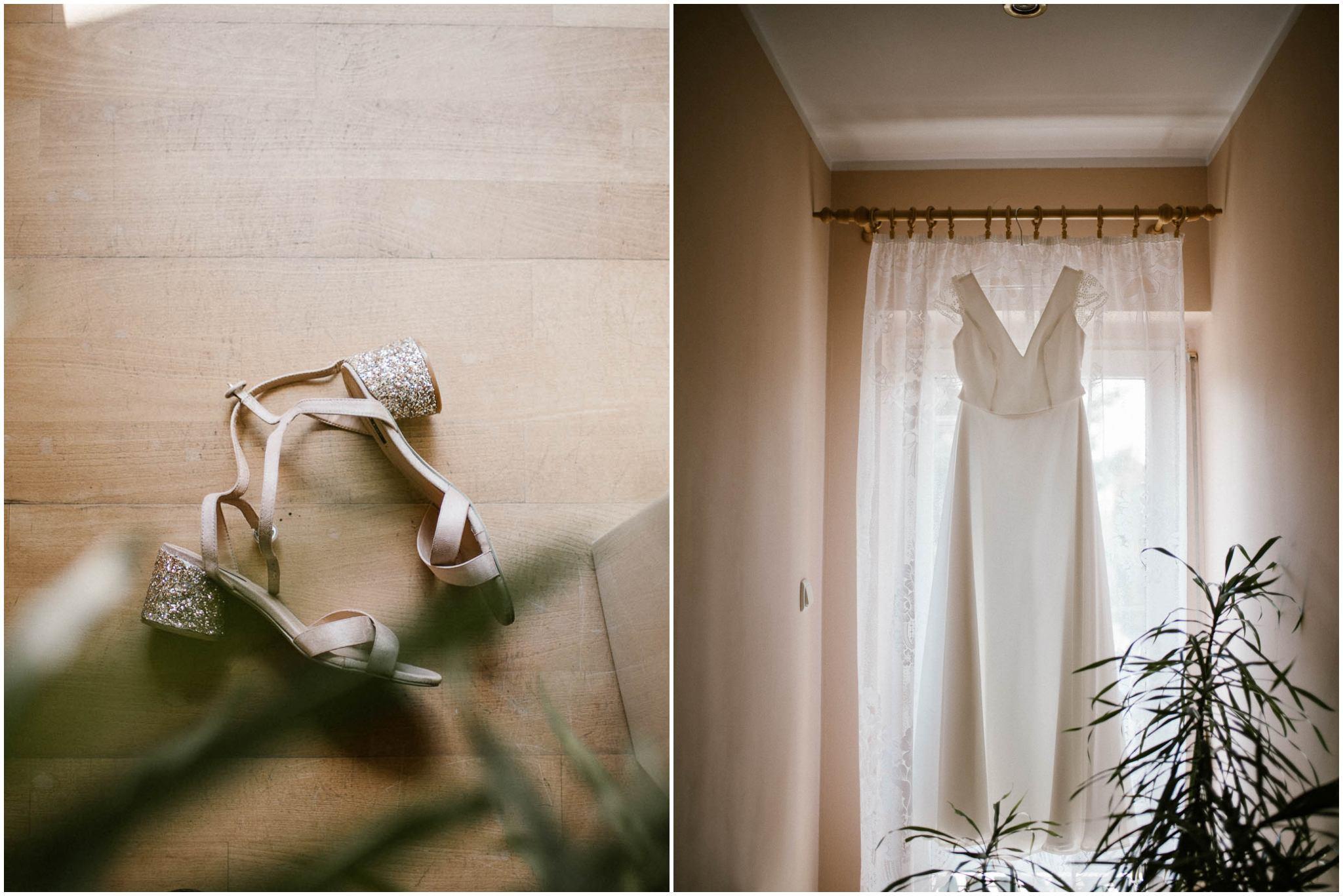 Buty i suknia ślubna - ślub w stodole w Dyrkowie