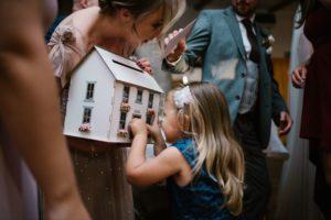 Goście składają życzenia - ślub w Biskupicach, Siedem Drzew