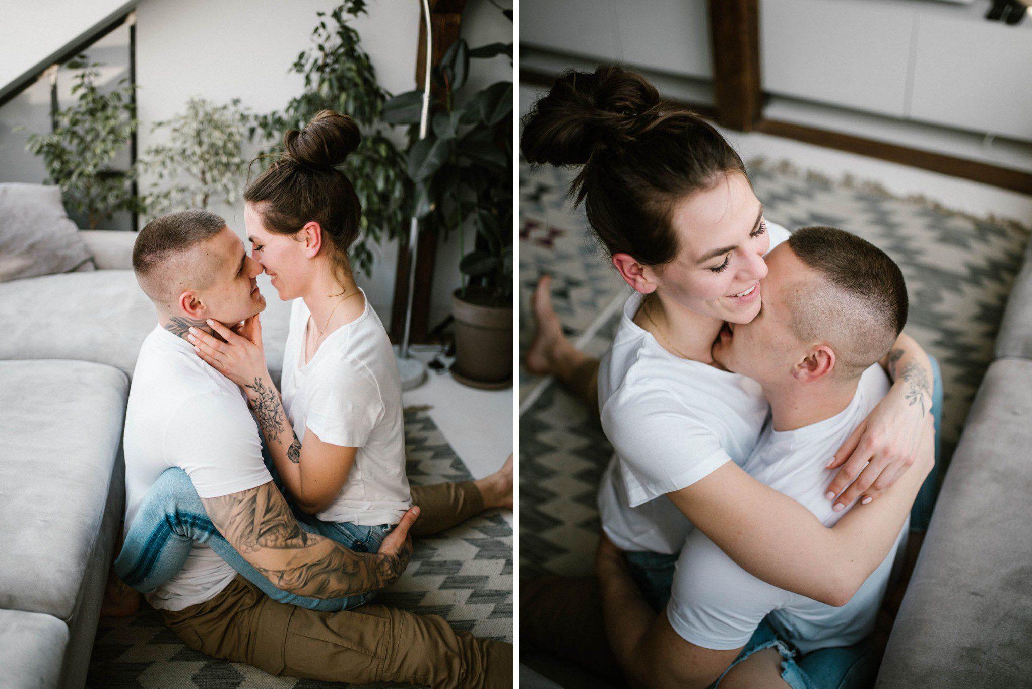 Mężczyzna całuje kobietę na dywanie - sesja miłosna w domu w Poznaniu