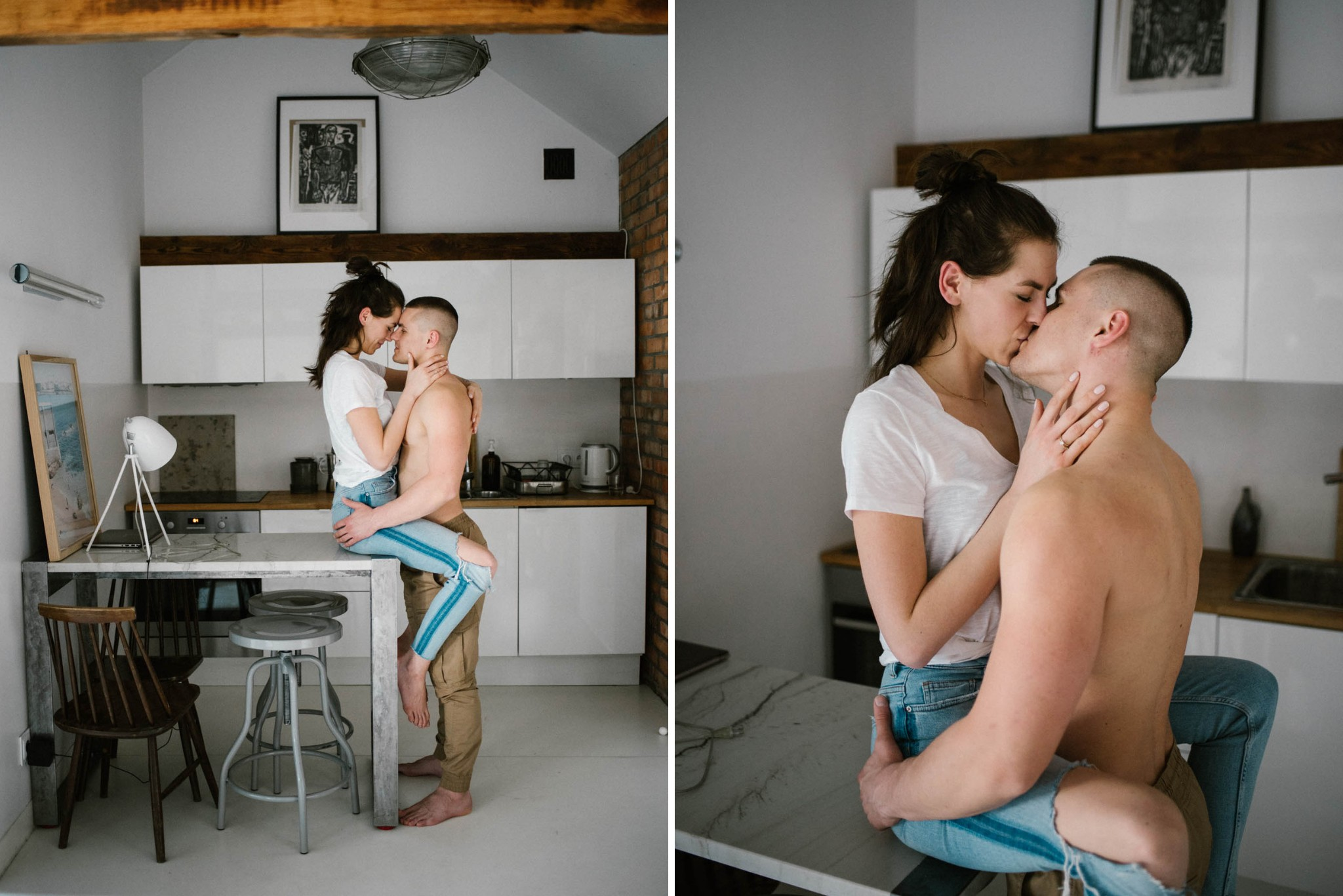 Dziewczyna siedzi na blacie w kuchni, mężczyzna ją całuje - sesja miłosna w domu w Poznaniu
