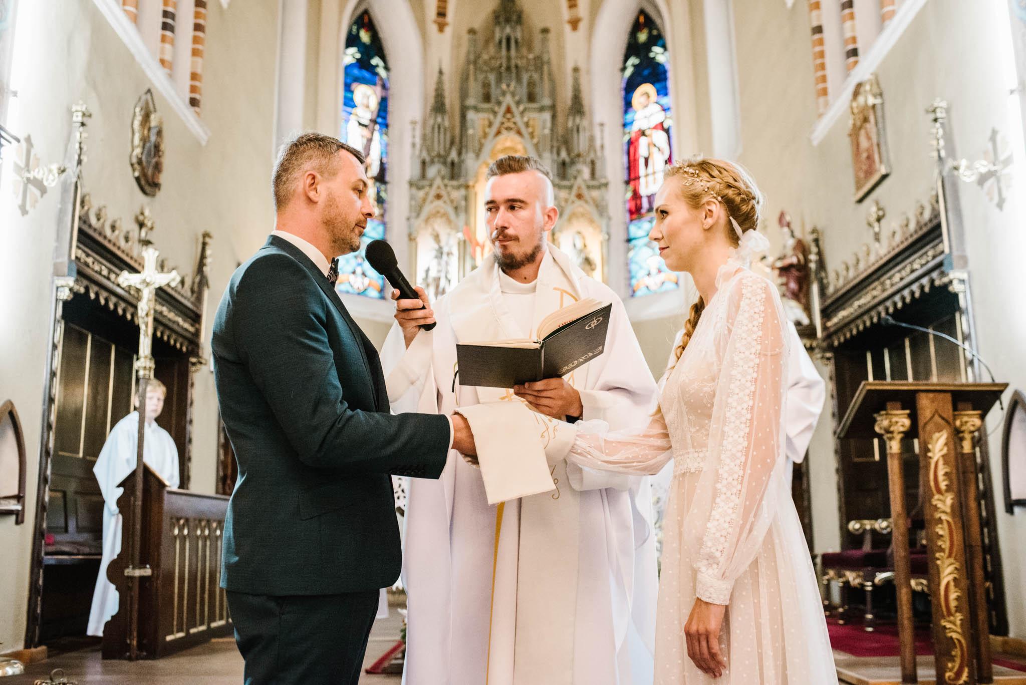 Narzeczeni składają przysięgę - sesja ślubna na Wyspie Św. Edwarda Zaniemyśl