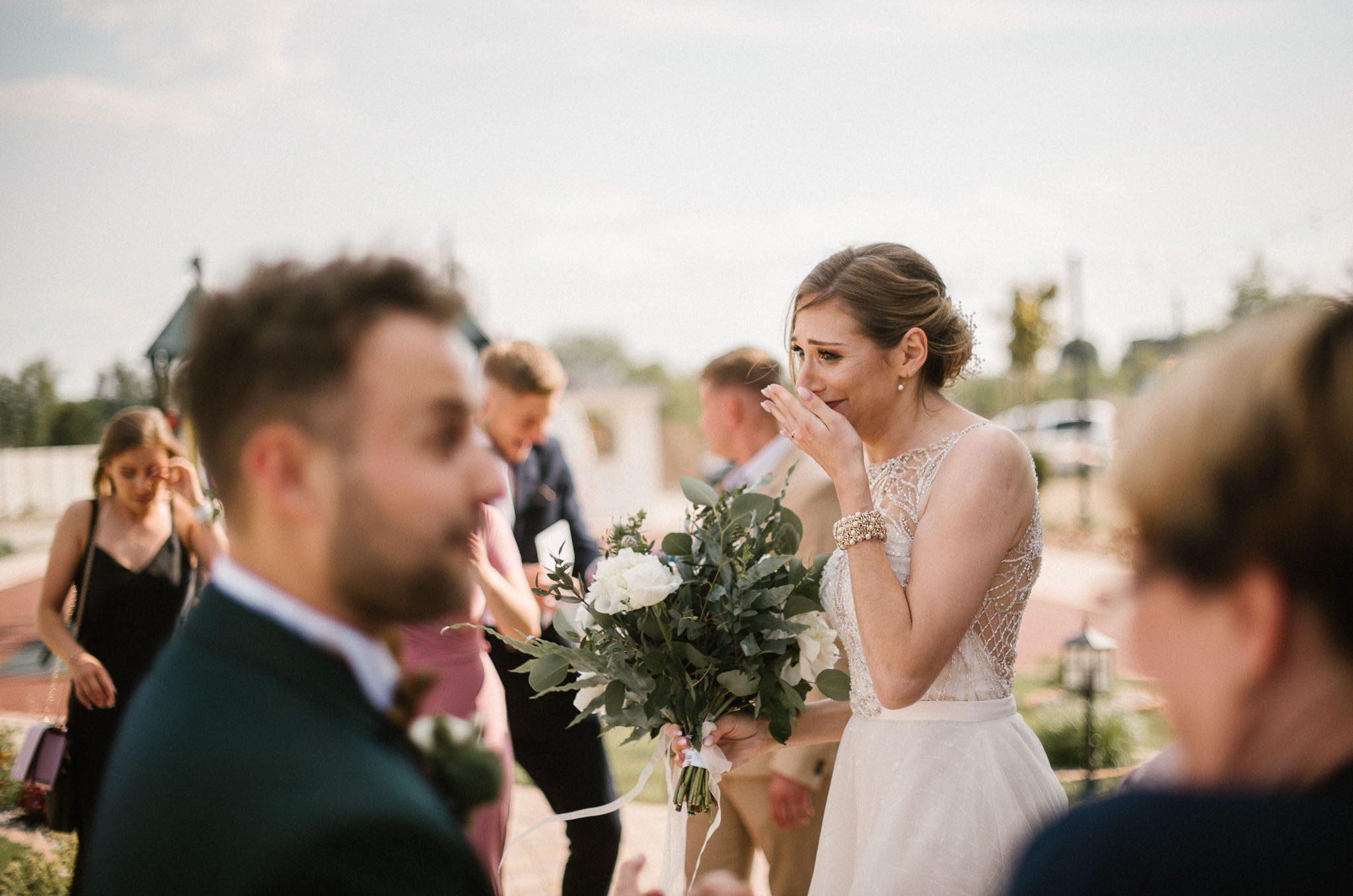 Panna młoda się wzruszyła -  ślub w Stodole Bojanowo