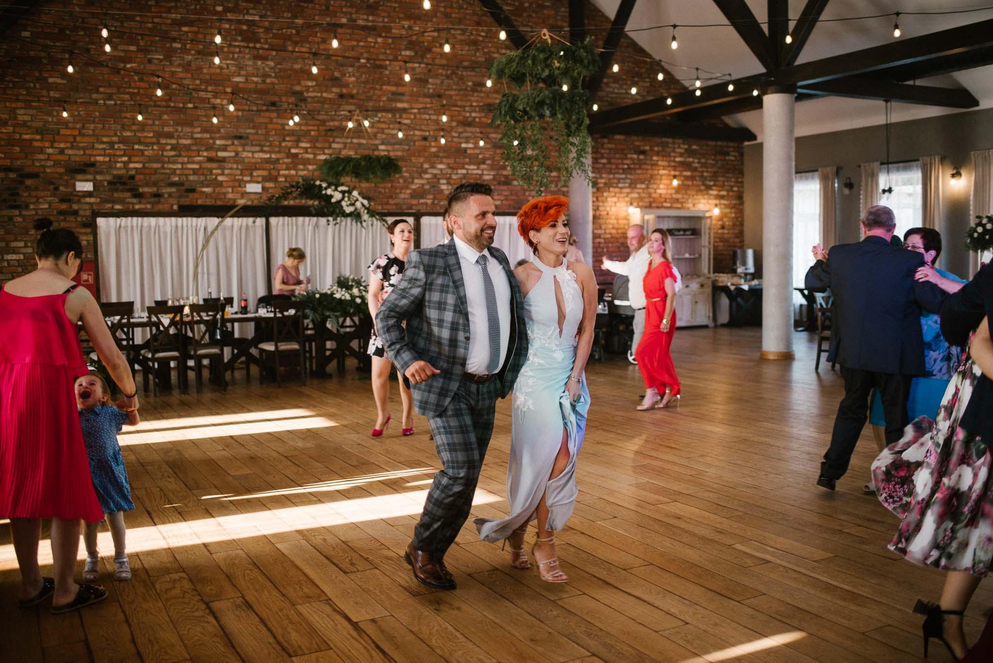 Goście na weselu - ślub w Stodole Bojanowo