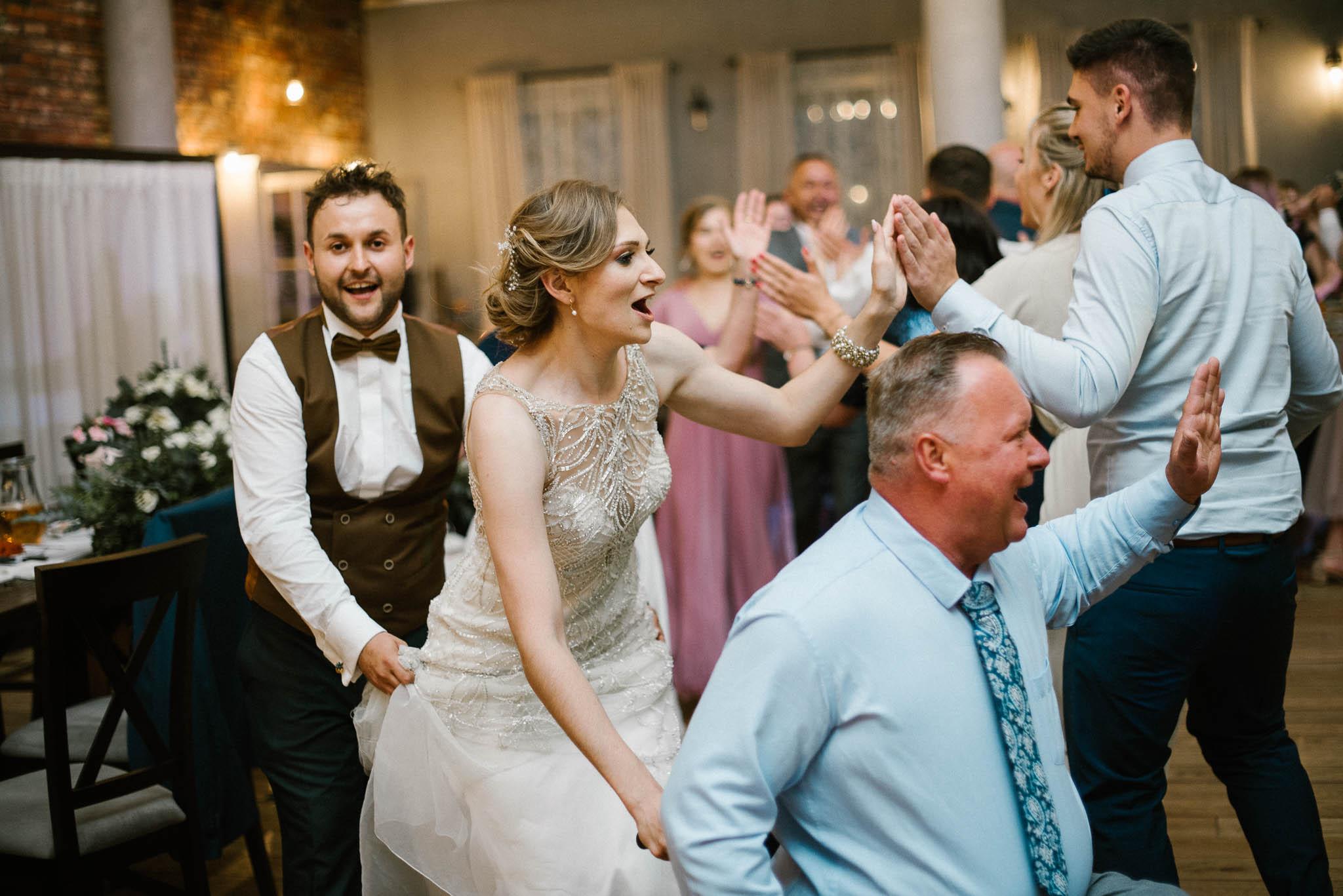 Pociąg na weselu - ślub w Stodole Bojanowo