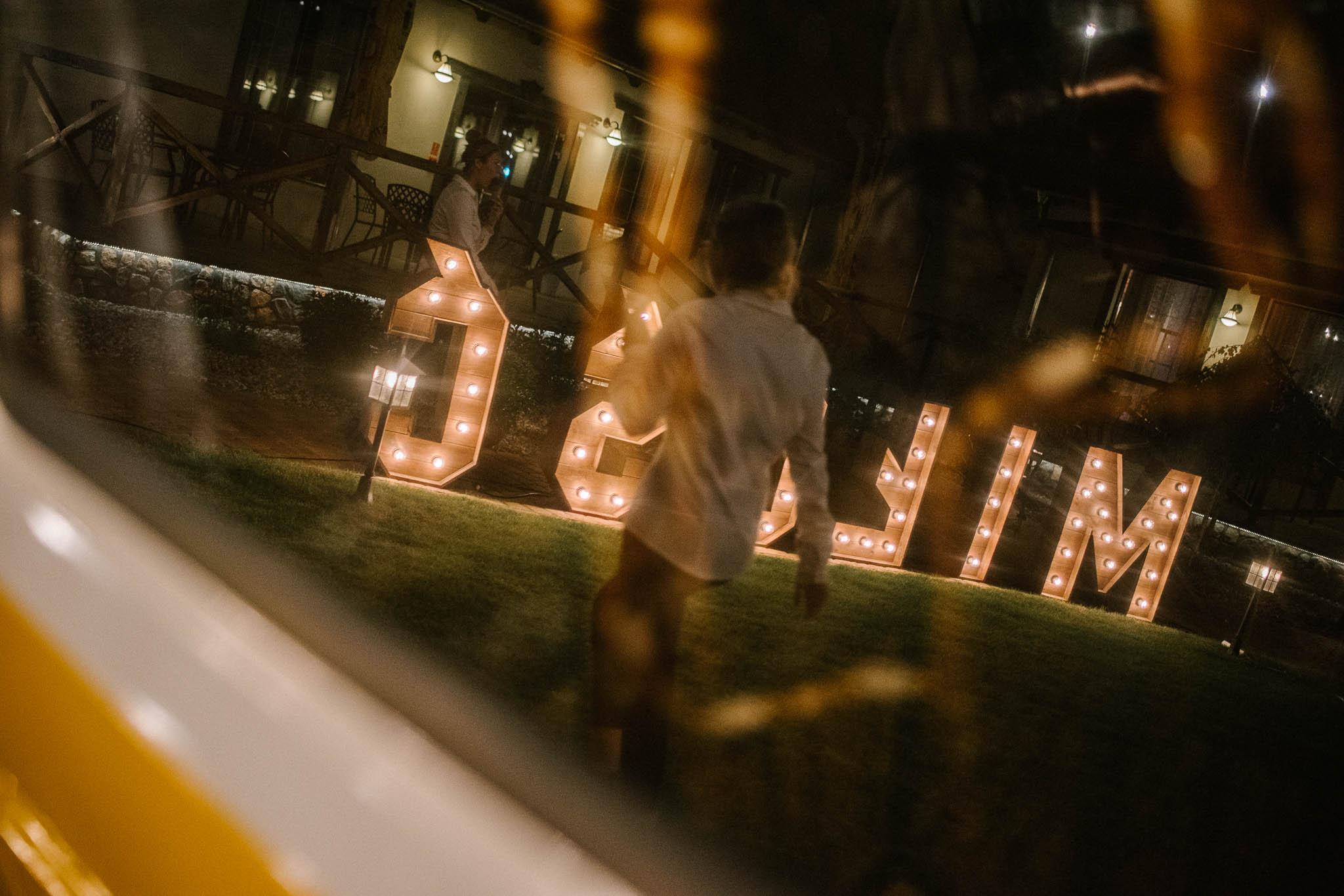 Napis miłość - ślub w Stodole Bojanowo